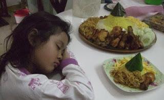10 Makanan Penangkal Kantuk Saat Begadang